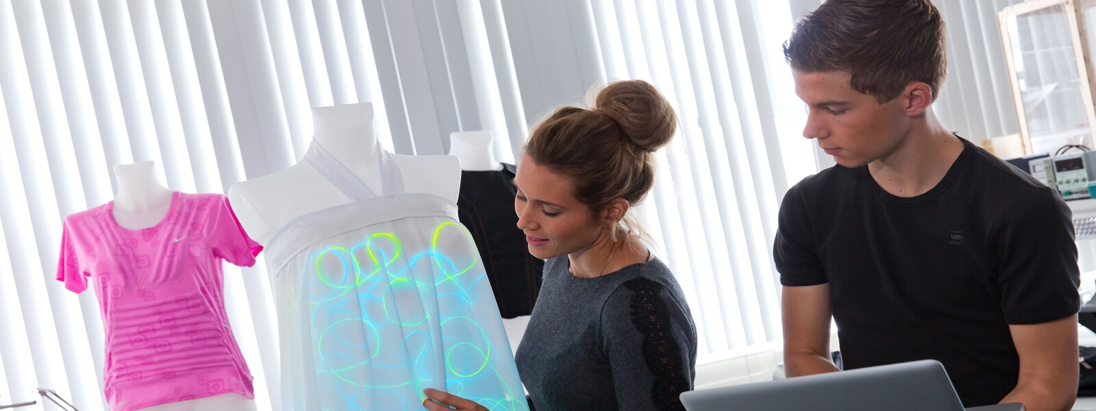 bachelor-fashion-and-textile-technologies-studyinholland-universitiesofappliedsciences-saxion-enschede-holland